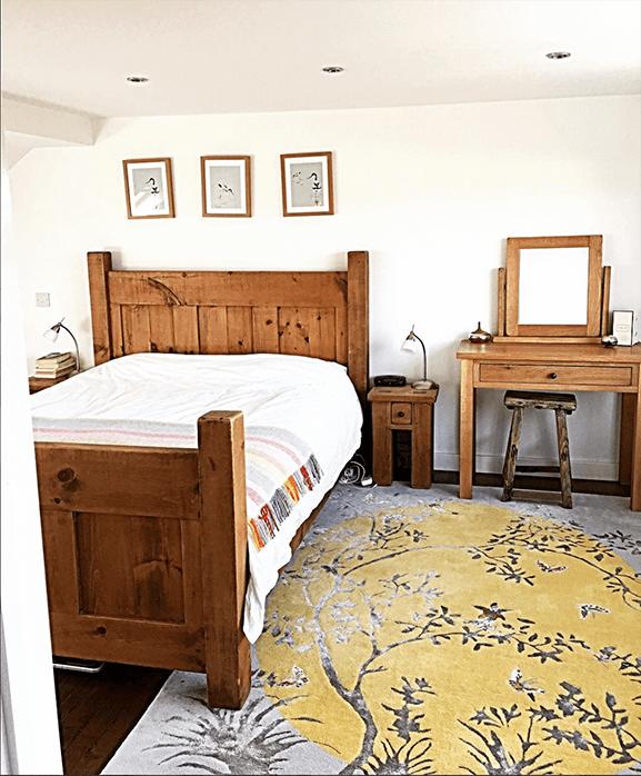 Our Mandela Moon rug looking fabulous in this bedroom.