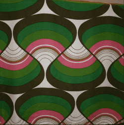 This graphic vintage print caught our eye